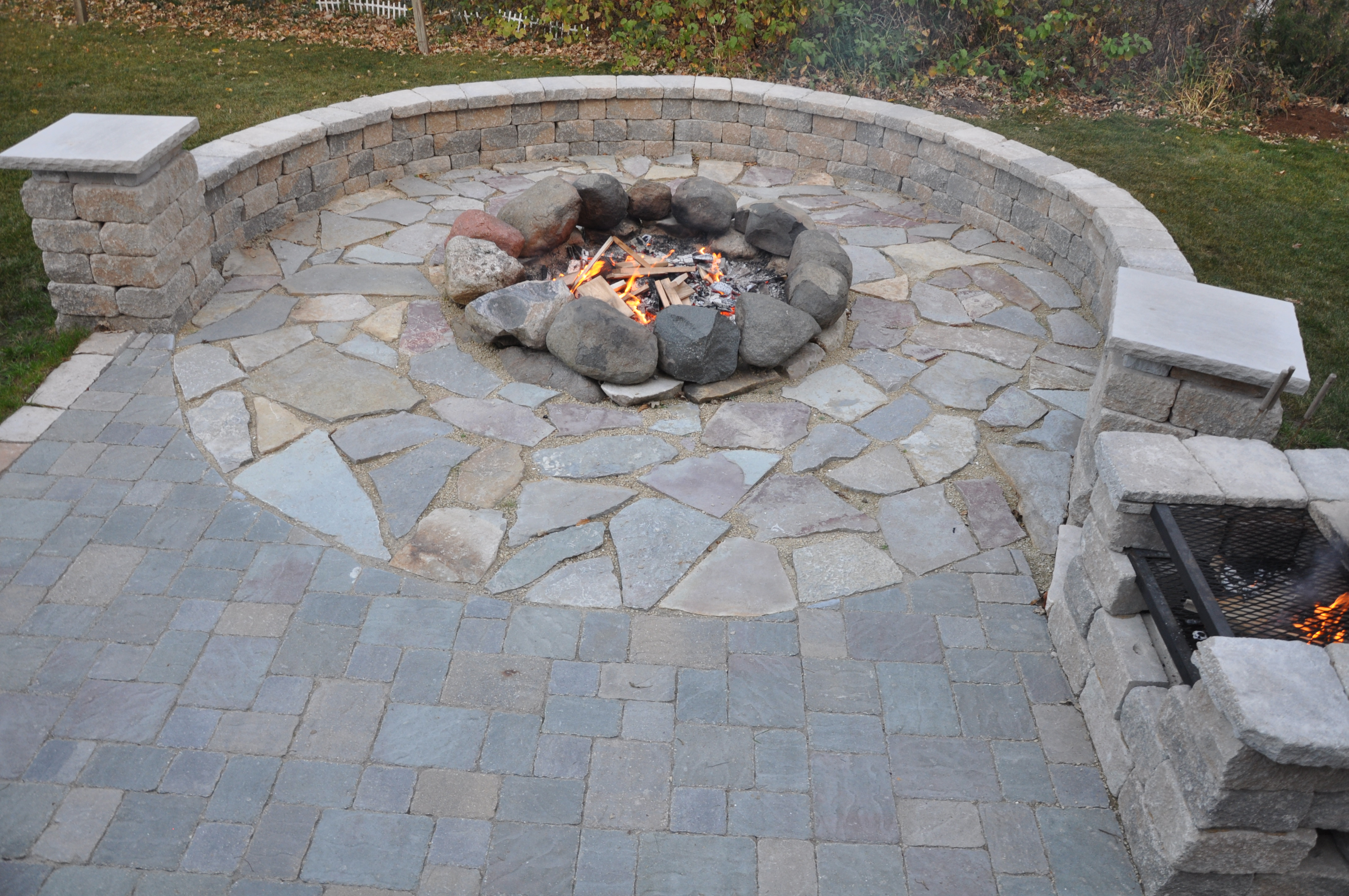 Fieldstone Rock Patios : Thoma res calico flag local fieldstone firering estate